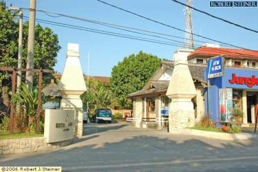 Kuta Seaview Cottage