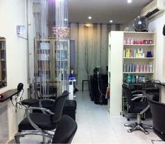 Trimming Success Hair & Beauty Salon Photos
