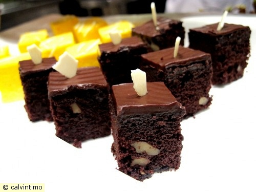 dark chocolate almond and mango cakes