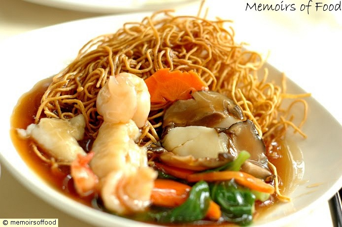 Crispy Noodles with Seafood
