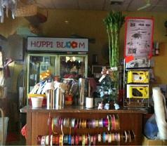 Huppi Bloom Photos