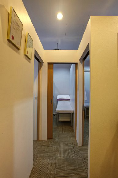 Kuo T.H. Chinese Medical Interior 3