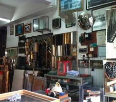 A R Akbar Glass & Frame Maker Photos