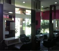 De Vella Professional Salon (S) Pte Ltd Photos