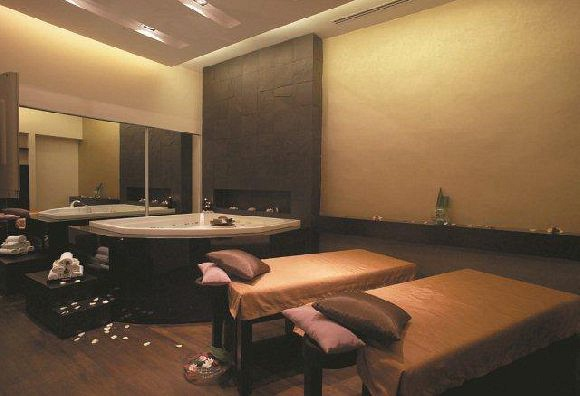FIL Skin, Body & Spa Intelligence (Far East Finance Building)