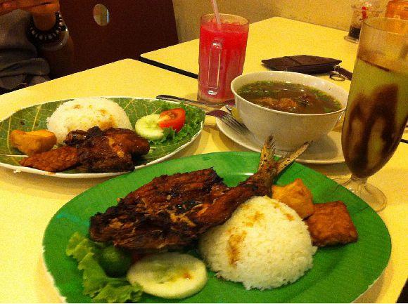 Ayam Bakar Ojolali (Lucky Plaza)
