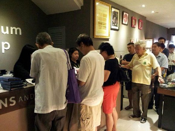 Crowd at Singapore Coins and Notes Museum