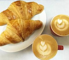 3 Petits Croissant Photos