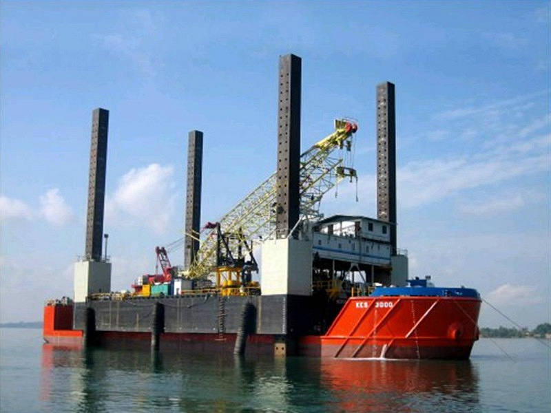 77M Semi Submersible Barge