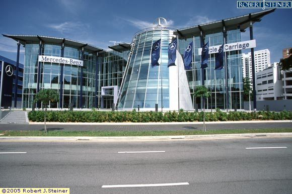 Main view of mercedes benz center building image singapore for Mercedes benz training center