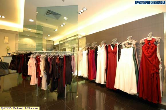 how to start a small clothing boutique