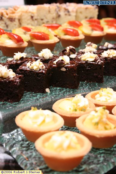 Dessert and canape by cafe georges for Canape dessert ideas
