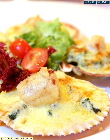 recipe: baked scallops florentine [5]