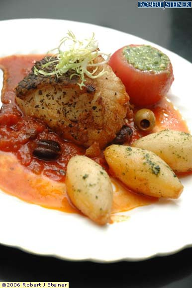 http://www.streetdirectory.com/stock_images/travel/simg_show/11695260940248/1/roasted_cod_fish_marinara/