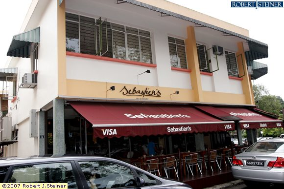 Sebastien 39 s bistro restaurant left view for Au jardin les amis restaurant singapore
