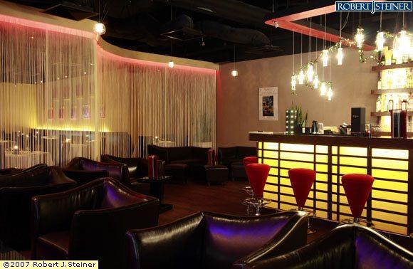 Cugini Trattoria Pizzeria : Bar Interior (1)