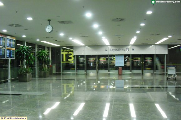skytrain to terminal 3 of changi airport terminal 1. Black Bedroom Furniture Sets. Home Design Ideas