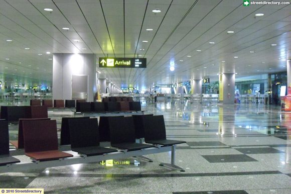 arrival hall of changi airport terminal 3 building image  singapore